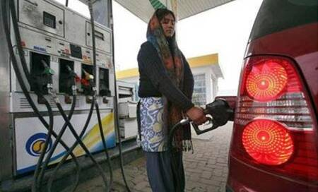 Petrol price slashed by Rs 1.15 per litre,diesel rate hiked by 50paise/litre