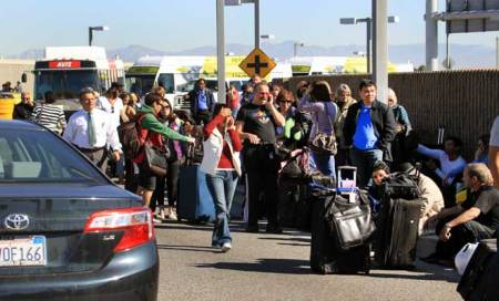 Three people wounded in Los Angeles airportshooting