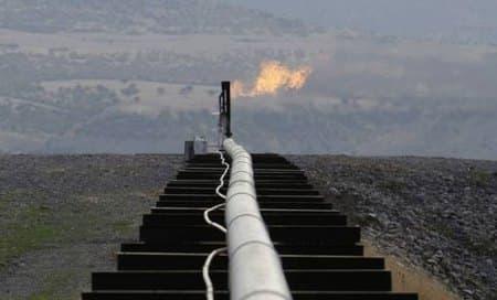 Iraq oil pipeline bombed,pumping shutdown