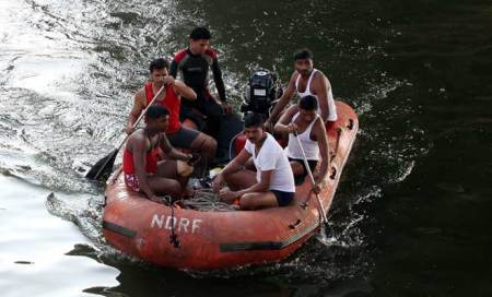 Pune ad professionals died in accident,bodies of 3 recovered from Nirariver