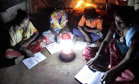 Cyclone Phailin: Solar lanterns for Ganjam weavers still living in darkness