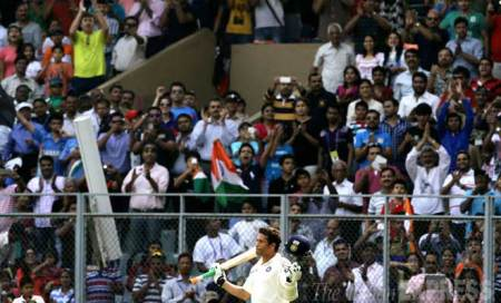 Sachin's 200th Test: Cops grill Bombay Gymkhana member for illegal ticket sale