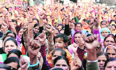 Not able to submit memorandum to him,Anganwadi workers to gherao Tewari