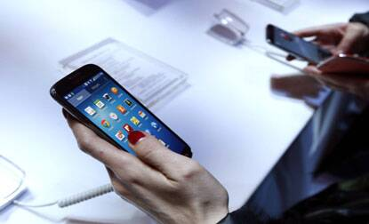 iPhone 5S,iPhone 5C take India by storm as Samsung Galaxy S4lags