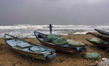 After Phailin,10 Orissa districts brace for floods as Cyclone Lehar closes in