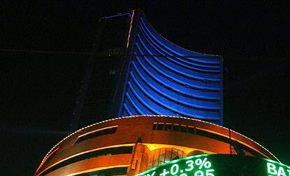 BSE Sensex jumps by 115 pts,Reliance Industries,Infosys shares gain