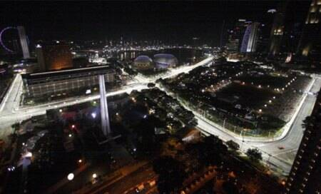 Bahrain tests lighting for Formula One night race