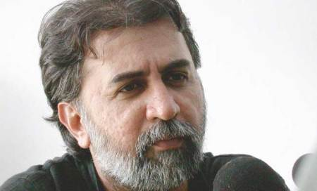 Before exit from Prasar shortlist,Tejpal firm got deal for 52 shows