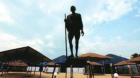'Indians in UK showed little interest in Gandhi's statue'