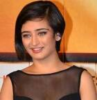 I don't have any limitations: 'Shamitabh' actress Akshara Haasan
