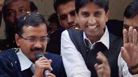 Kumar Vishwas claimed that armed Congress workers attacked his supporters and damaged vehicles in Sindurva village.