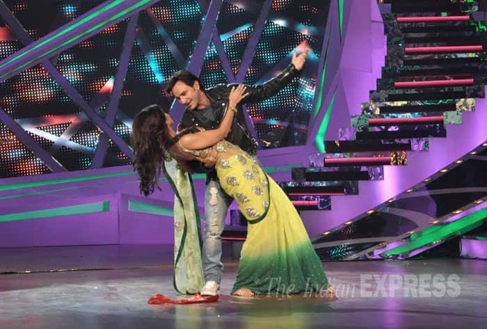 saif-shilpa-dance