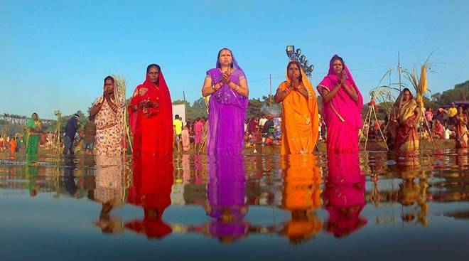 Chhath Puja 2017 images: Stunning photos of devotees celebrating the festival