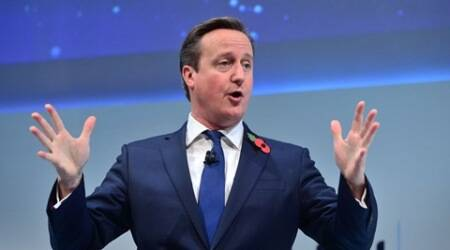 UK PM Cameron backs burqa ban in schools, courts and border checkpoints