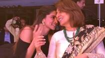 Deepika Padukone caught giggling with Neetu Kapoor and we wonder if the reason is Ranbir Kapoor. See viral pic