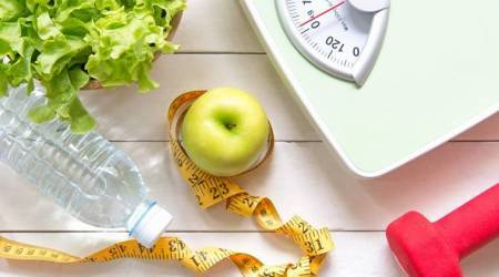overweight or underweight can reduce four years of your life, life expectqancy related with weight, ideal weight, bmi, lancet journal report, indian express, indian express news