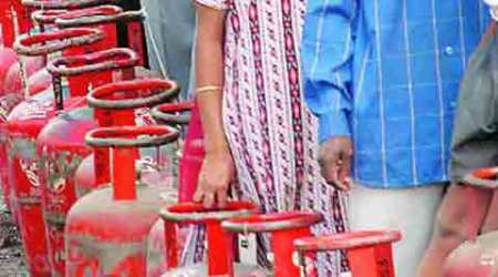 Non-subsidised LPG dearer by Rs 61.50, jet fuel cheaper