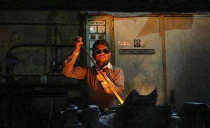 India manufacturing activity picks up pace in November:Survey