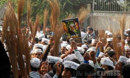After a historic show in Delhi,Aam Aadmi Party to focus on Mumbai