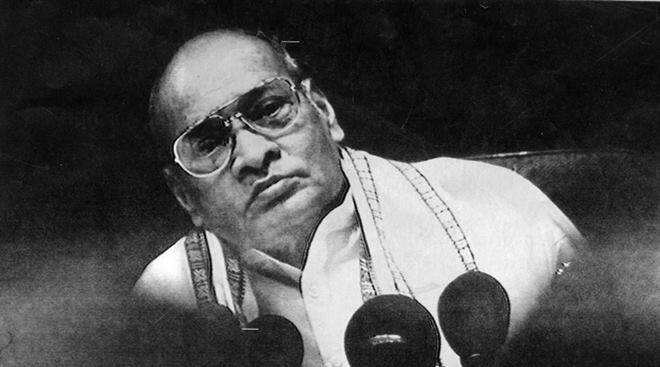 Prime Minister PV Narasimha Rao addressing the press conference. Express archive photo by Arun Jetlie
