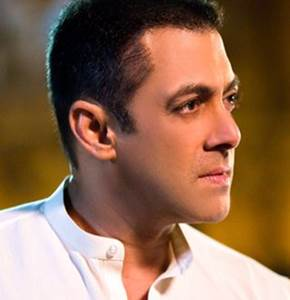 Salman Khan clean shaves himself before Valentine's Day, his new look for Sultan