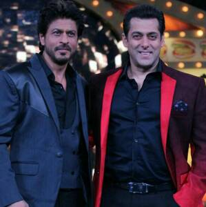 Bigg Boss 10: Shah Rukh Khan steals cauliflower, Salman Khan jails him. See pics