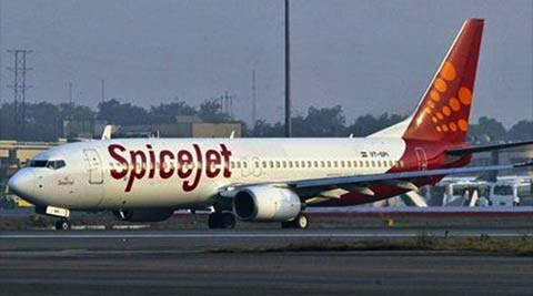 SpiceJet, spicejet controversy, spicejet pilot controversy, SpiceJet pilot, SpiceJet air hostess, SpiceJet cockpit, air hostess, cockpit air hostess, india news