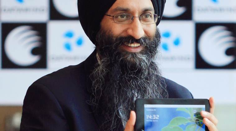 Datawind, Cheap Android phones, free internet India