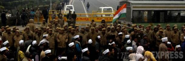12 injured in AAP-Police clashes