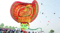 The International Kite Festival kicks off in Vadodara on Saturday. 	Bhupendra Rana