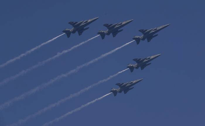 A flypast by the Advanced Light Helicopter 'Dhruv' of the Army Aviation Corps drew loud cheers from the spectators.<br />Seen here: Fighter planes at the Republic Day parade. (PTI)