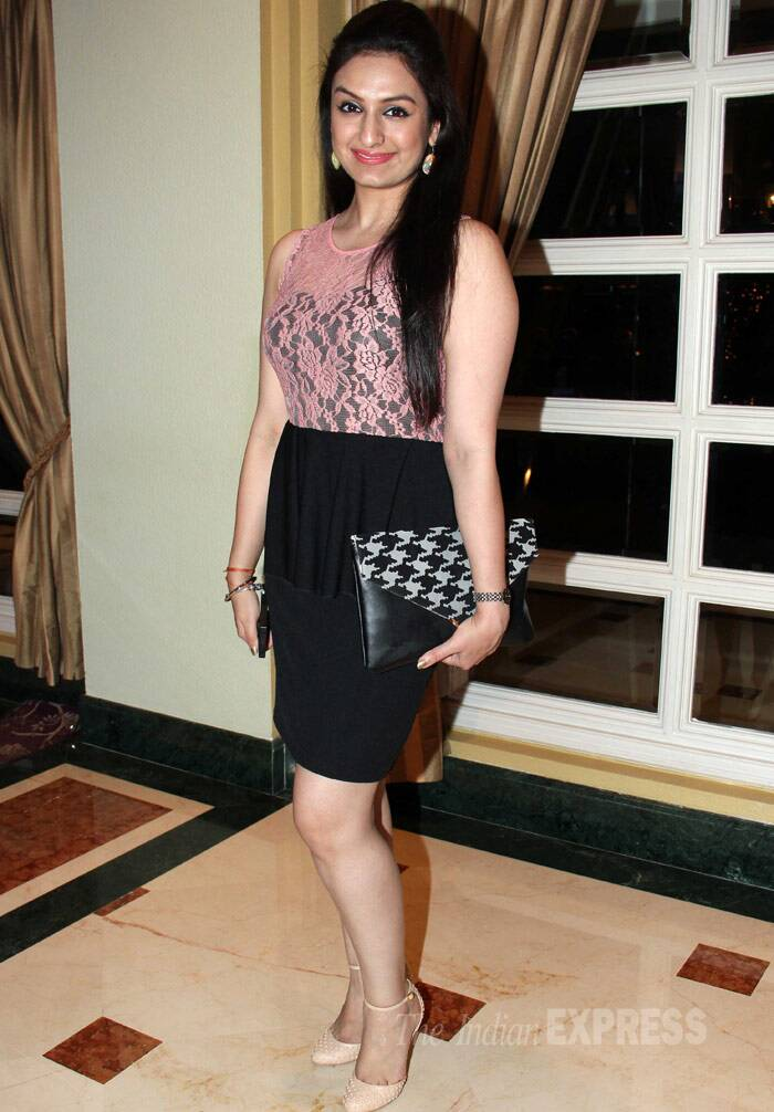 Singer Akriti Kakkar was pretty in a lace top with a black skirt and ankled-pumps. (Photo: Varinder Chawla)