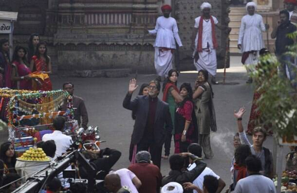 Amitabh Bachchan is busy in Gujarat