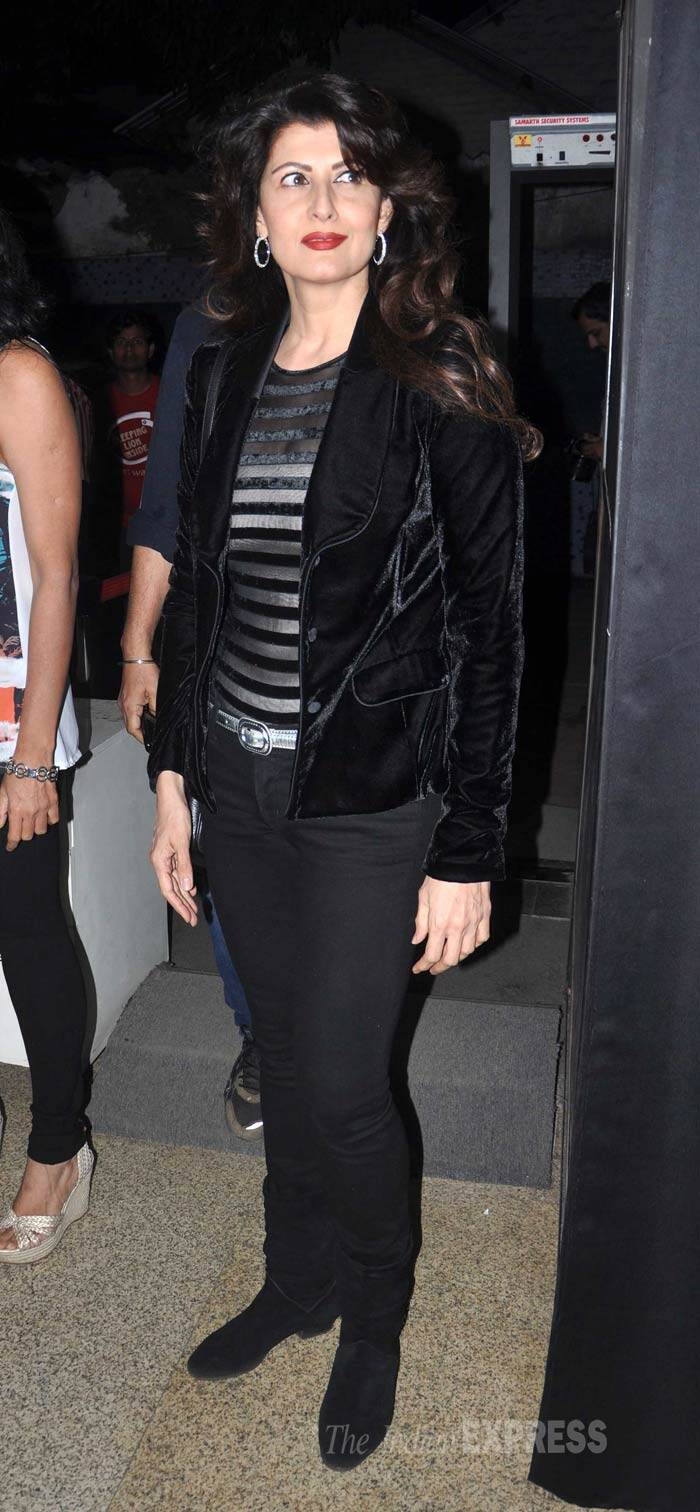 Salman Khan's ex girlfriend Sangeeta Bijlani, who is known to be very close to the actor and his Khan-daan was chic in a black jacket, trousers and boots. Red lips added a pop of colour to her look. (Photo: Varinder Chawla)