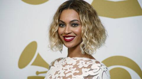 Beyonce Knowles' accessorised her glitzy gown with a jewellery worth USD 10 million.