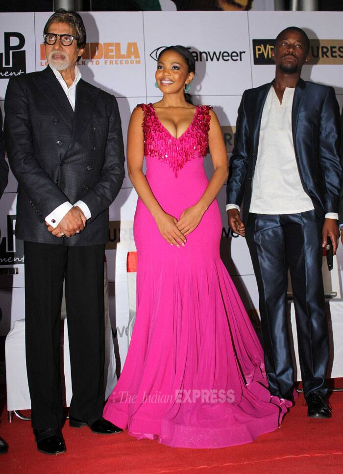 Big B poses with the film's lead pair Terry Pheto and Idris Elba. (Photo: Varinder Chawla)