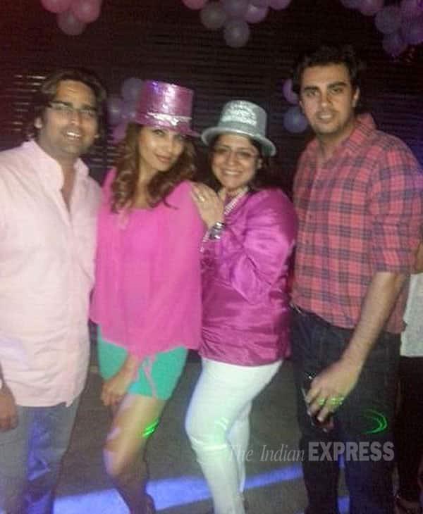 Bipasha Basu brings in her birthday with Harman Baweja