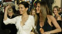 courteney-cox-jennifer-aniston209