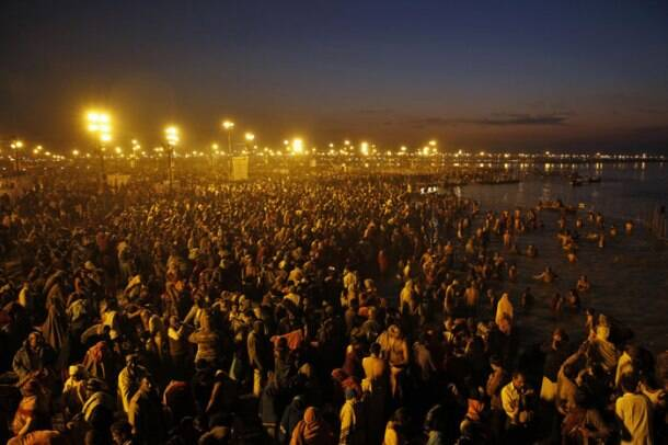Devotees take a dip at Sangam on 'Basant Panchami'