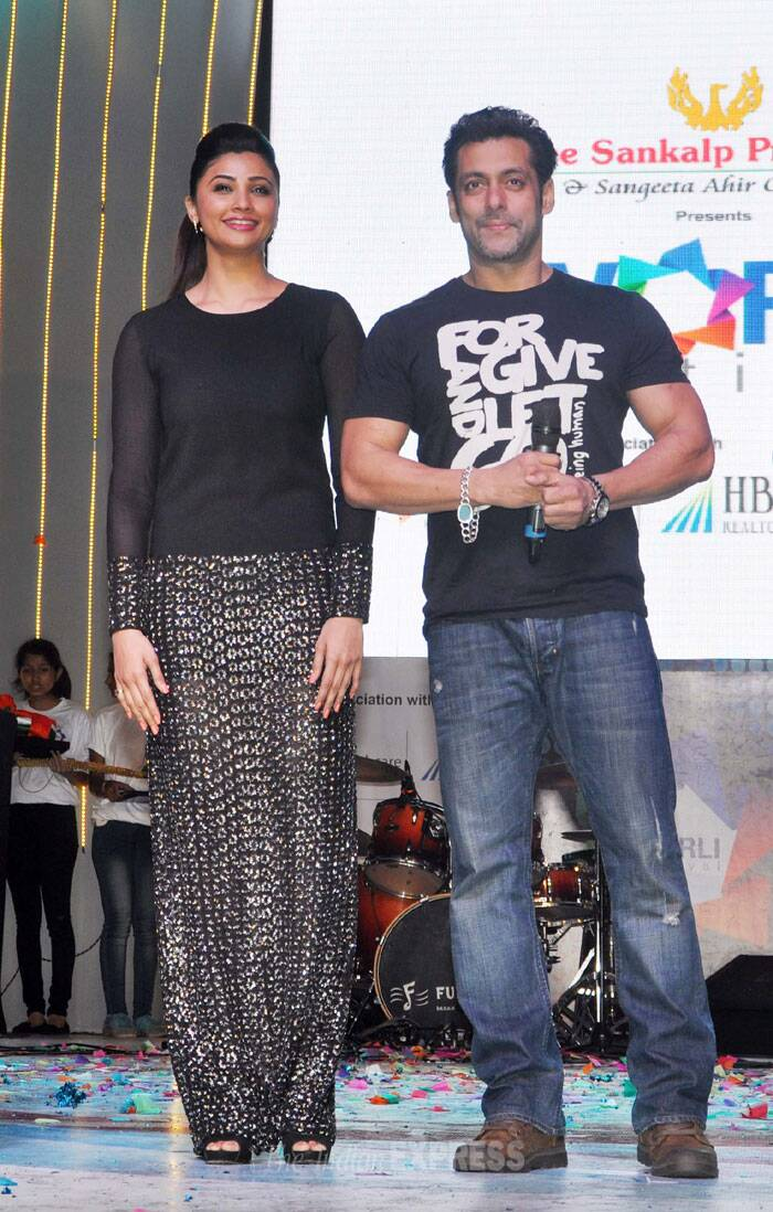 'Jai Ho' couple Salman Khan, Daisy Shah on an outing