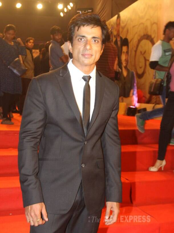 Screen Awards 2014: Deepika, Shah Rukh, Sonakshi, Shahid, Big B on the red carpet