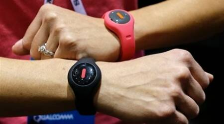 At CES 2014, few 'wearables' balance fashion and function