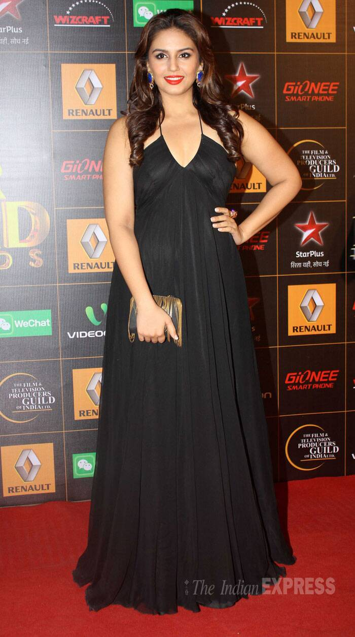 Huma Qureshi, who was last seen on screen in 'Dedh Ishqiya', stepped out in a black chiffon Gauri and Nainika gown. She teamed her simple gown with earrings and a Gayatri Chopra clutch.  (Photo: Varinder Chawla)