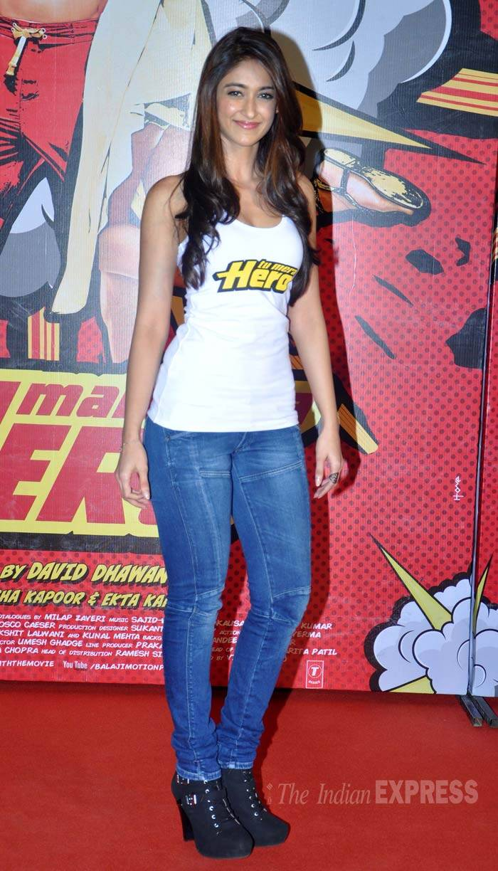 'Barfi' gal Ileana D'Cruz was hot in a racer back with the film's name printed in the front paired with skinny jeans and black boots. (Photo: Varinder Chawla)