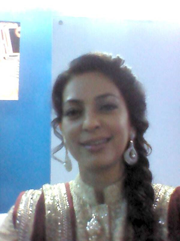 We got the vivacious and bubbly Juhi Chawla to click a selfie for us!