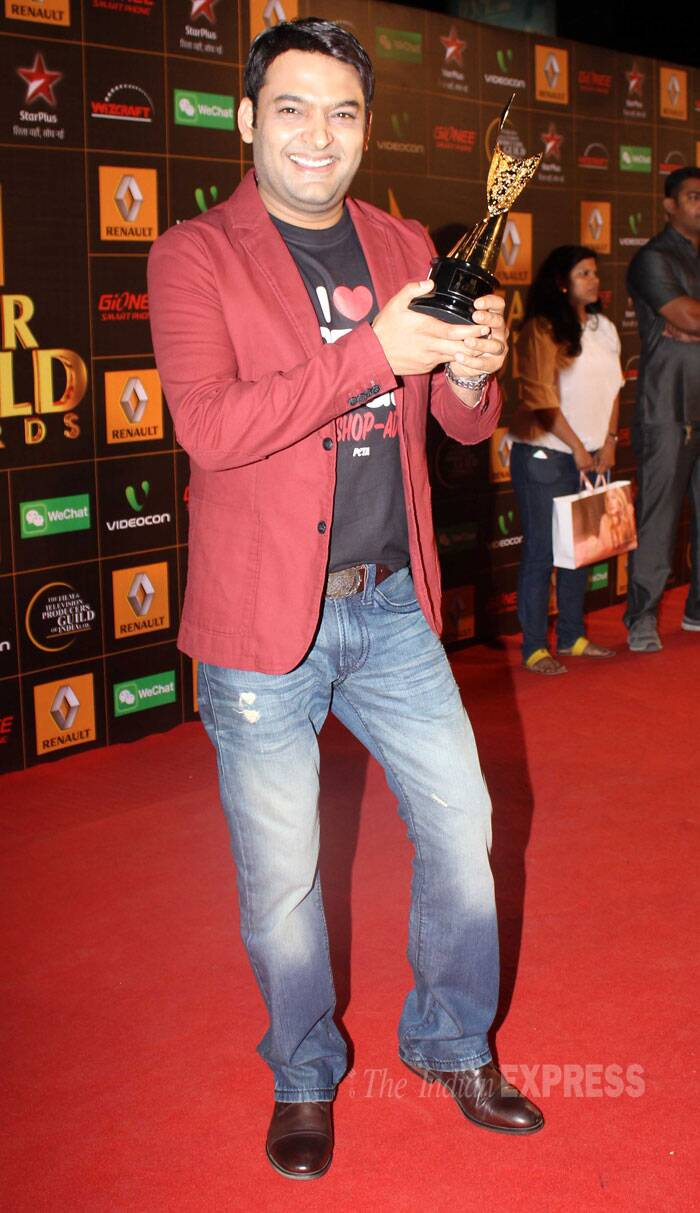 Kapil Sharma with his trophy. His show 'Comedy Nights With Kapil' won the Best Comedy Series at Star Guild Awards. (Photo: Varinder Chawla)