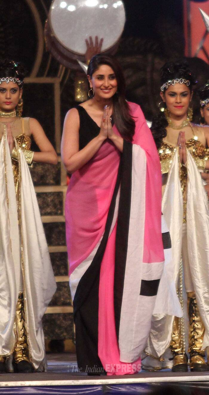 Kareena Kapoor Khan was pretty in a pink and black sari.(Photo: Varinder Chawla)