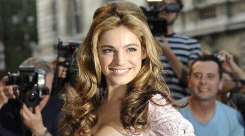 Sources say Kelly Brook knows that this is her chance to show the big Hollywood directors that she is worthy of getting a good role. (Reuters)