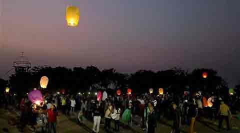 The special attraction this season was the sky balloon lantern. Balloons of different shapes, sizes and colours were sold out at most of the shops. (AP)