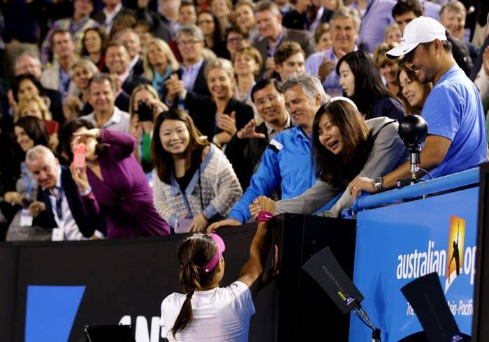 Displaying (14) Gallery Images For Li Na Coach...